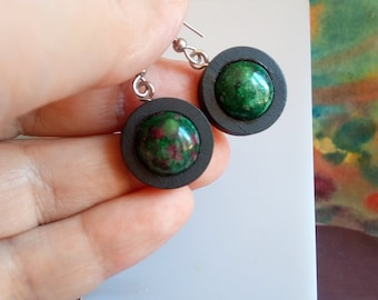 Zoisite ruby, black wood earrings with round cabochons 12mm, precious fine stone, clasps hooks steel 316L, hand made in france