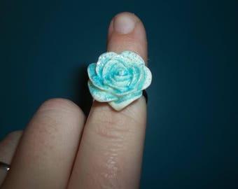 beautiful white glittery resin flower ring