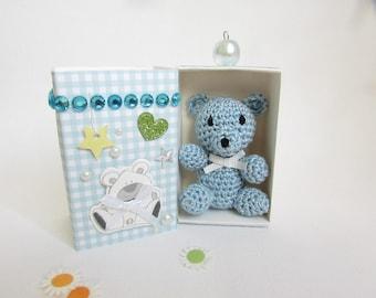 """""""Joey"""" - little blue bear in crochet in its box"""