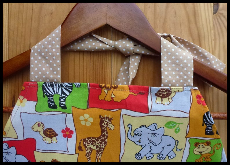 Apron Jungle animals for children 1 to 6 years