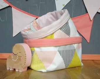 Set of two fabric storage baskets / storage pouch / decor baby room / geometric pattern