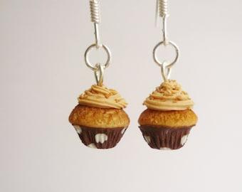 Praline cupcake earrings