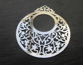 Round filigree prints of 4.5 cm in diameter * 2