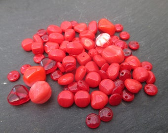 Assortment of beads red Bohemian 6 to 12 mm approx - 20 grams