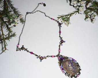 Purple cameo necklace with Crystal beads on chain bronze