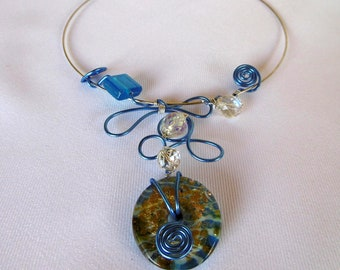 Neck with pendant, murano style donut, glass beads, aluminum wire, blue, silver, unique, wedding, gift, hand worked.