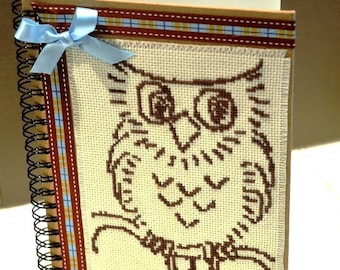 Notebook embroidered little OWL Brown.