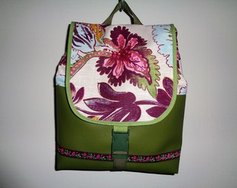 Green leatherette and fabric backpack