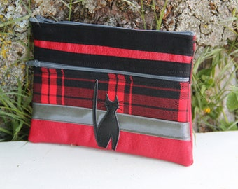 Black and Red Textile cover Scottish double zipper cat