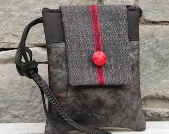 Grey/black/red shoulder strap pocket
