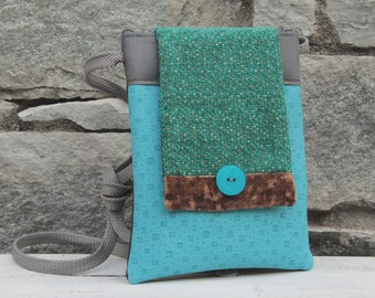 Le Chat-Marré turquoise shoulder clutch