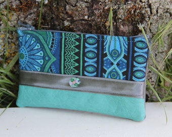 Green textile wallet with water / blue