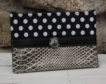 Le Chat-Marré pouch with silver polka dots