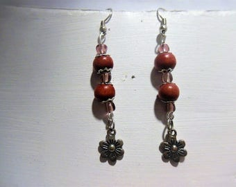 Earrings wooden beads and flower