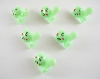 LOT 6 buttons: 13mm Green cat