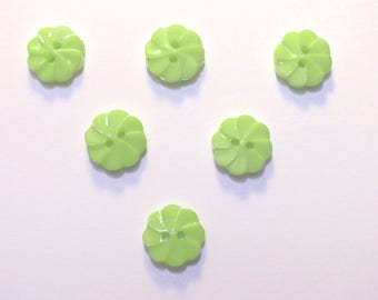 LOT 6 buttons: flower twisted green 17mm