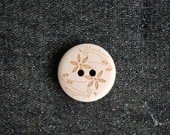 6 flower engraved 20 mm wooden buttons