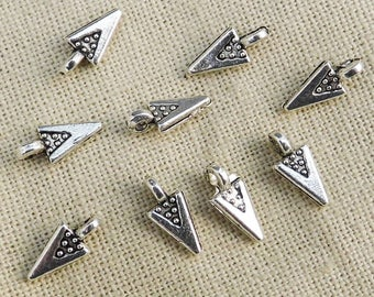 charm small point triangle size 10mm x 4mm in packs of 10, 15 or 30 pieces