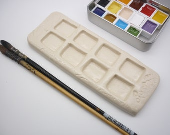 small handcrafted palette, 8 holes, watercolor palette, handmade, ceramic palette, white gres palette, artist material, eco-responsible