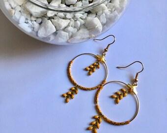 Small hoop earrings - mustard enameled epi - miyuki beads.
