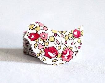 Confettis de table x 70 : oiseaux imprimés motif liberty Éloïse rose