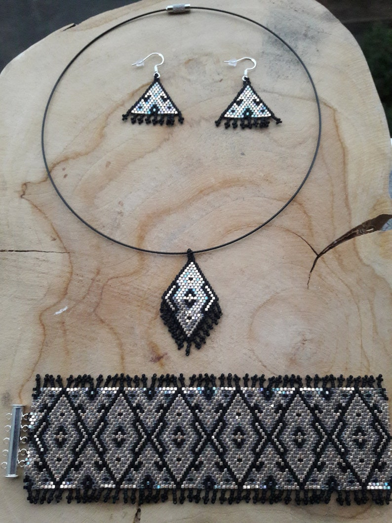 Ethnic adornment in Miyuki delicas weaving.