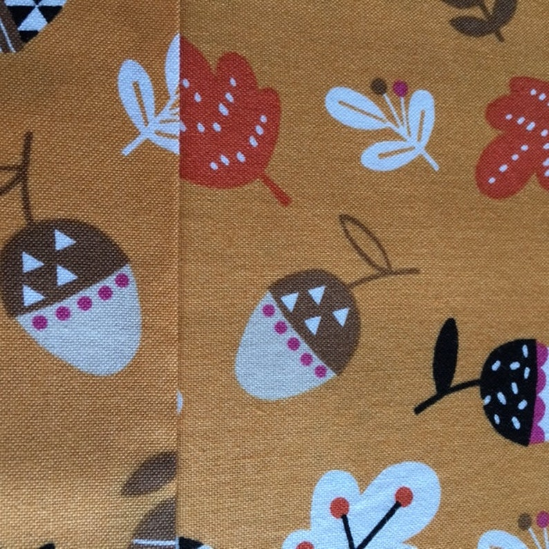 Beautiful fall fabric 143 grams  square meter with acorns oak cotton sold by 25 cm leaves 110 cm wide