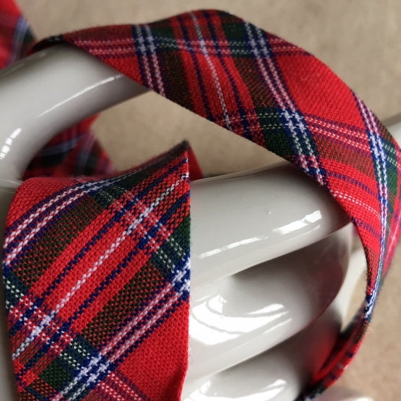 Bias Tartan majority sold by the yard cotton red and green and white 2.5 cm wide new