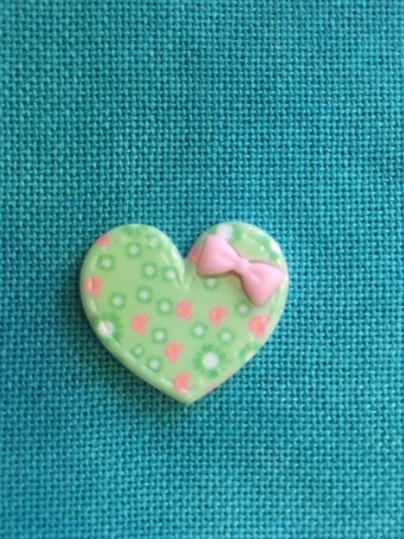 Cute Heart Needle Minder