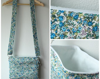 Shoulder bag blue with flowers and inner white