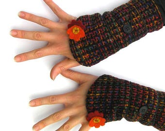 Fingerless gloves, wrist warmers, mittens