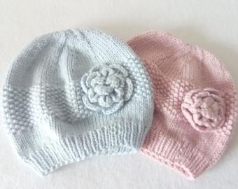 Bonnet rose rétro ( 3 6 mois) tricoté et crocheté main a8c98a49e9f