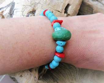 "Beaded turquoise and coral ""Samba"" #braceletsfemmesperlesnaturelles #womenbracelets #gemstonesbracelets #braceletfemme"
