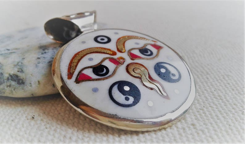 Ethnic-Nepal pendant Tibet-Zen pendant Buddha Sun-Jewelry of the World