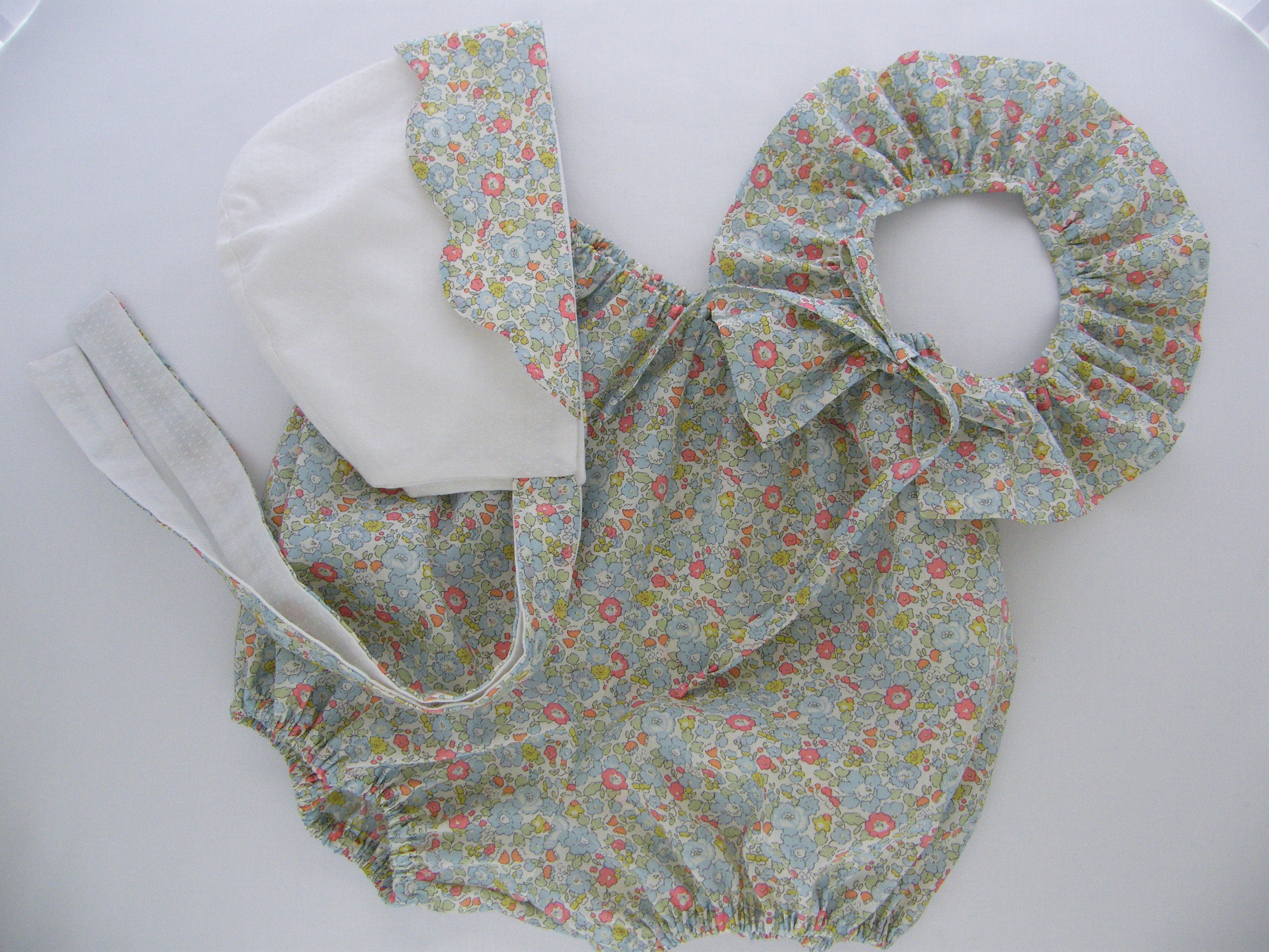 7a39c40985 Bonnet and bloomers in LIBERTY Betsy Ann blue soft baby   Etsy