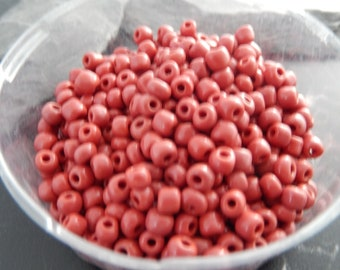 500 red seed beads