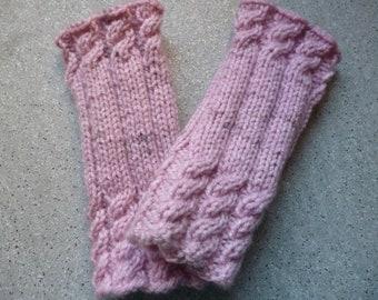 Mitaines en laine rose réalisées à la main, moufles en laine, gants en  laines, accessoires femme, tricot, fait main 0e550cbf80e
