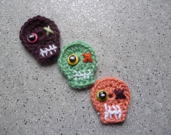 3 skulls crochet hand made wool