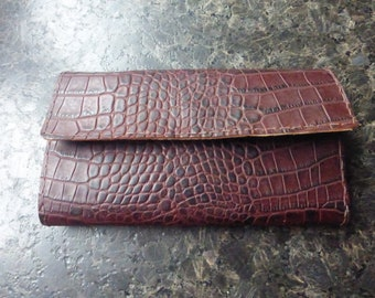 door wallet all in a brown leather croco imitation matte