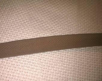 195) Ribbon light brown heel to pants hem