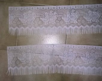 (70) a pair of Breeze Kiss lace pattern geese