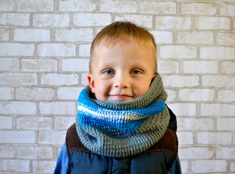 8e6d3eee8a6 Grey toddler crocheted scarf Crochet baby hooded scarf Toddler