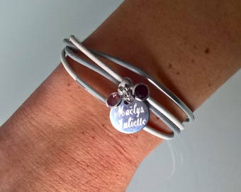 Bracelet of birth with the color of the birth month stone Locket engraved with the name (s)