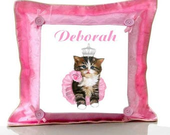 Cushion Pink cat and wreath personalized with name