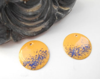 x 4 yellow sequins gold and Navy Blue