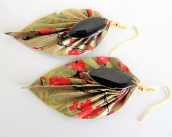 Leaf earrings gold and black sequins