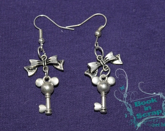 """pair of earring """"mk key"""" with bow charm"""