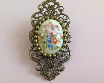 Romantic Decor cabochon in Limoges porcelain brooch