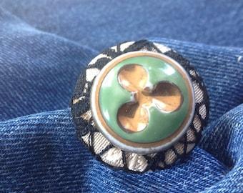 Ring Celadon porcelain, fabric buttons