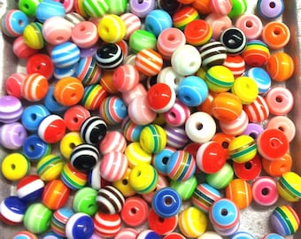 Set of 50 multicolored striped beads resin T38